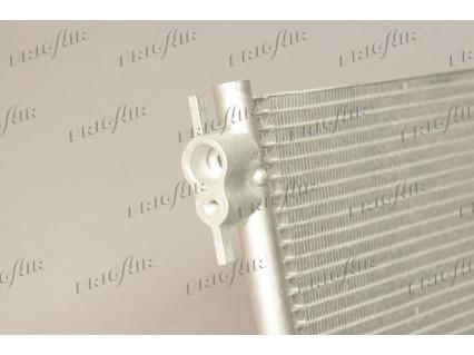 Condenseur / Radiateur de climatisation FRIGAIR 0809.3076 (X1)